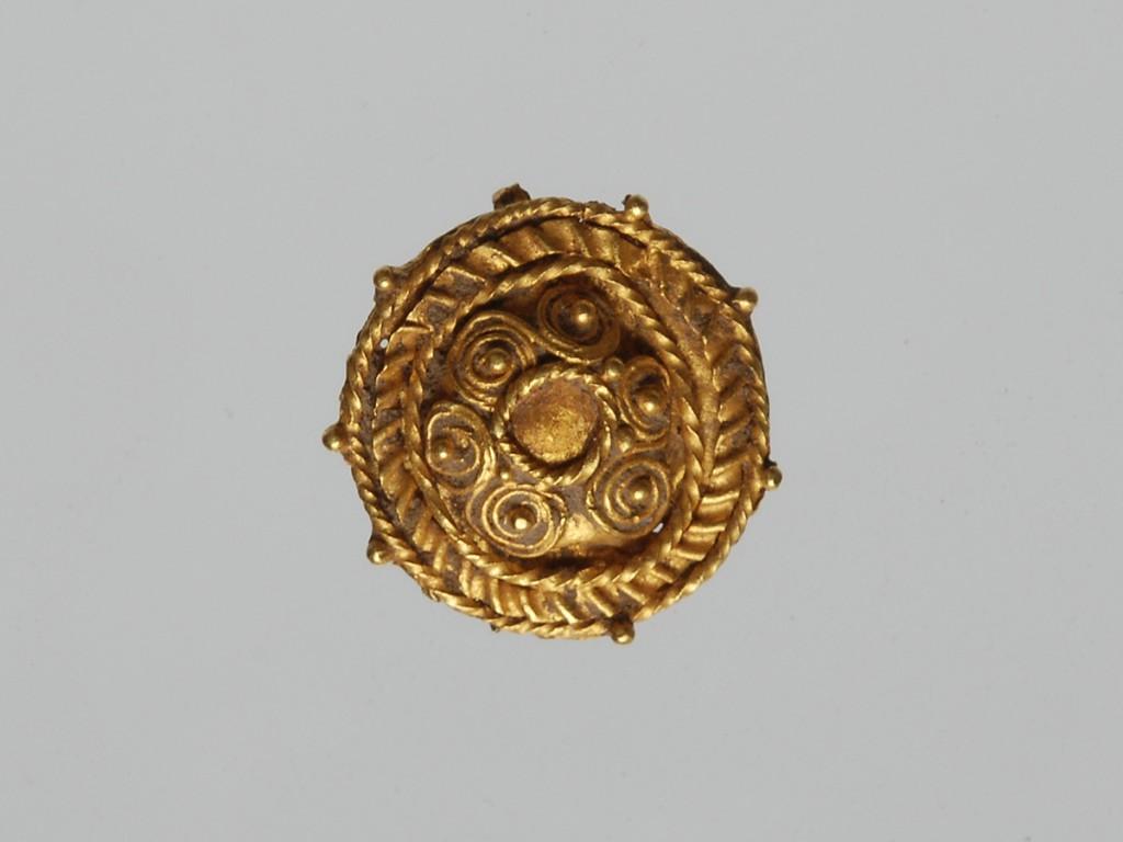 1.Aplică de aur din colecţia Pongrácz